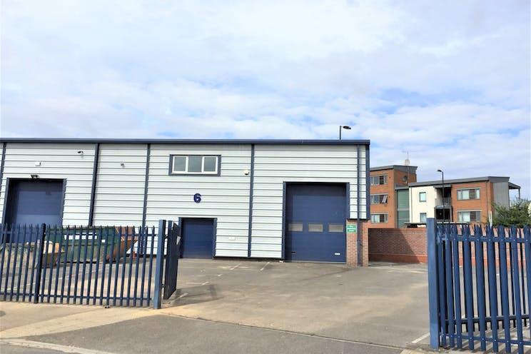 6 The Glenmore Centre, Southampton, Industrial To Let - 18YUk6jy.jpg