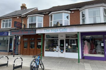 244a London Road, Waterlooville, Retail To Let - 8ccZLYwx.jpg