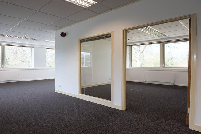 4 Lindenwood, Basingstoke, Office To Let - 5-6-Lindenwood_6-1024x512@2x.jpg