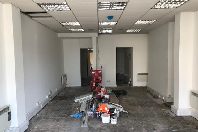 9 Clarence Street, Staines-Upon-Thames, Office / Retail To Let - IMG_7140.jpg