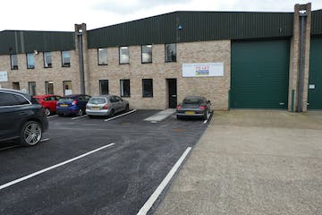 Unit 2J Albany Park, Albany Park, Frimley, Warehouse & Industrial To Let - P1060542.JPG