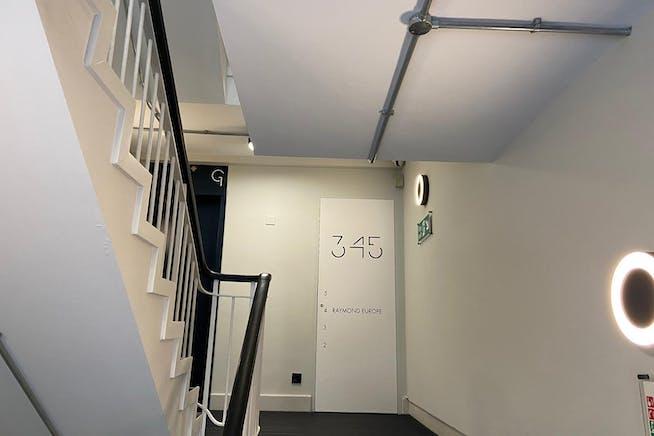 Barratt House, 341-349 Oxford Street, Mayfair, London, Office To Let - ground floor landing.jpeg