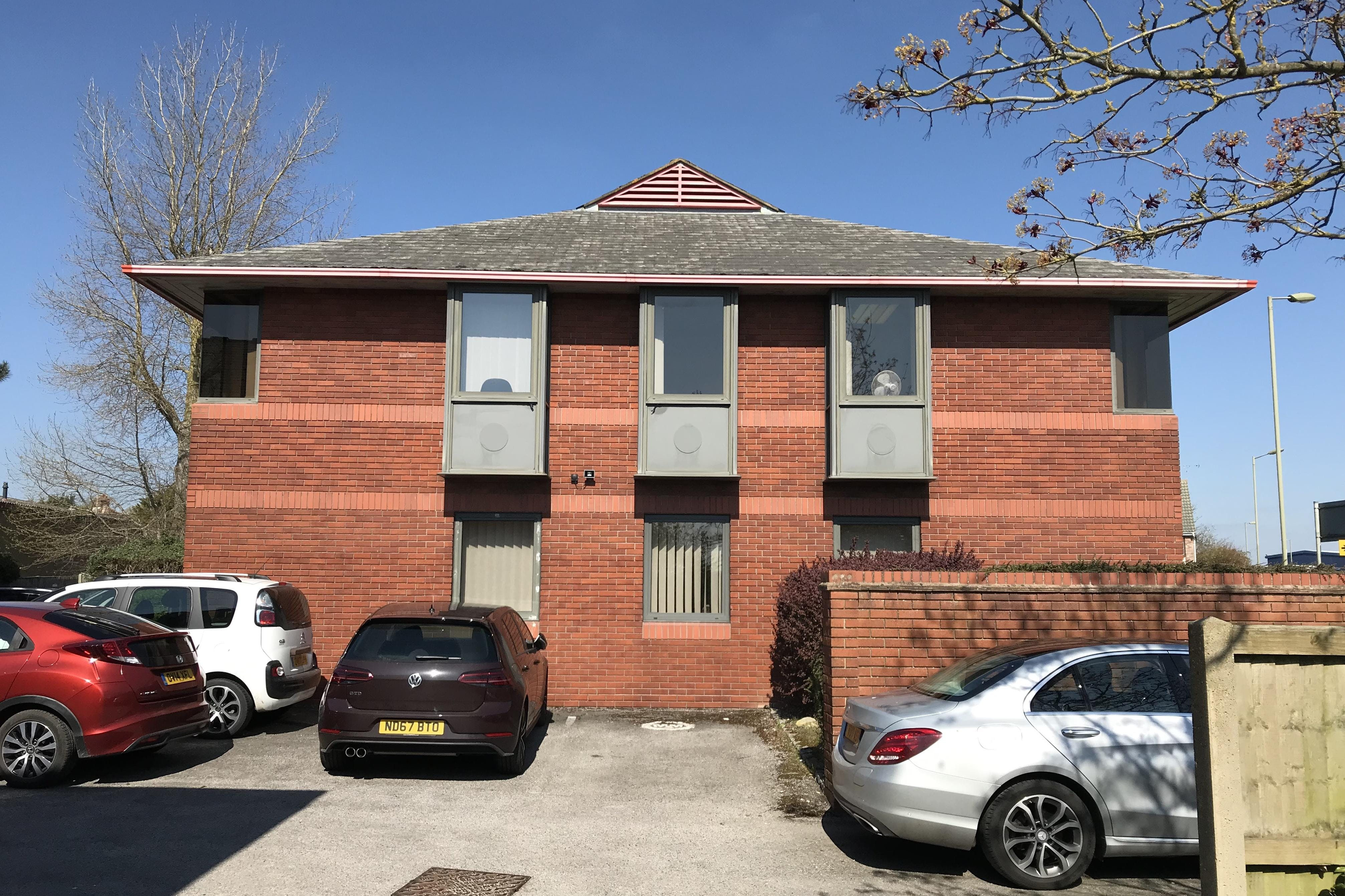 Kille House, Chinnor Road, Thame, Office / Investment For Sale - IMG_0928.JPG