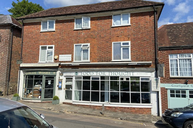 19-20 The Green, Westerham, Retail To Let - IMG_9200.jpg
