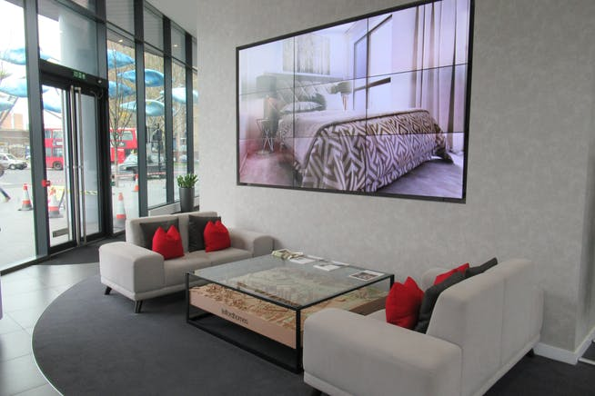 Unit 1, Unex Tower, London, Office / Retail To Let - IMG_1860.JPG