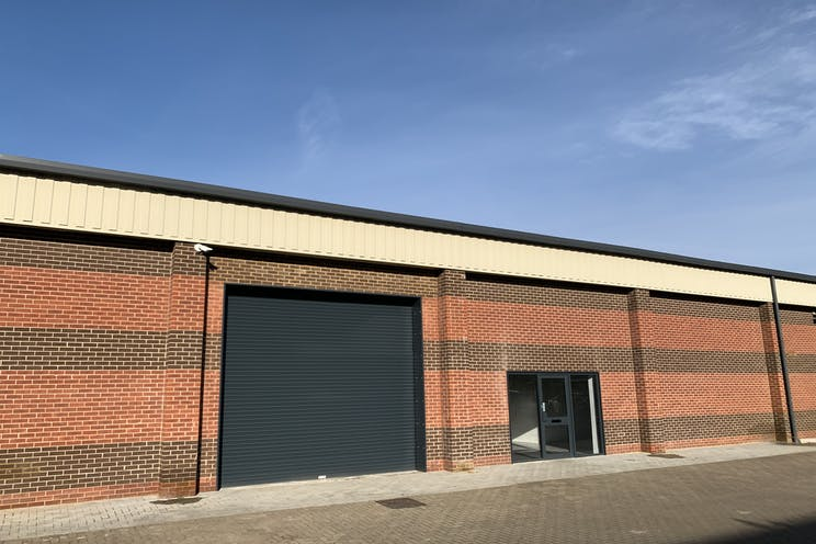 Unit 13B, Perrywood Business Park, Salfords, Warehouse & Industrial To Let - IMG_6149.jpg