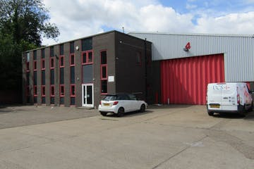 Unit 4, Bracknell Business Centre, Bracknell, Industrial To Let - IMG_10411.jpg