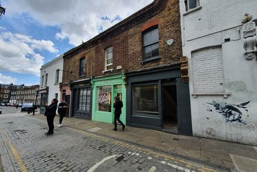 2 Charlton Place, London, Retail To Let - 20210512_143134.jpg - More details and enquiries about this property