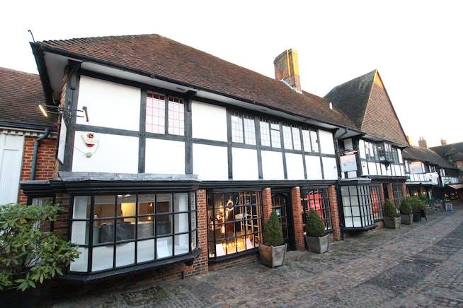 17-18 Lion & Lamb Yard, Farnham, Retail To Let - IMG_9346.JPG