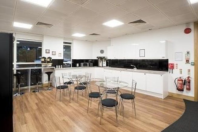 Centurion, London Road, Staines-Upon-Thames, Serviced Office To Let - 129853_UK3ws2343_IMG_11_0000_max_656x437.jpg