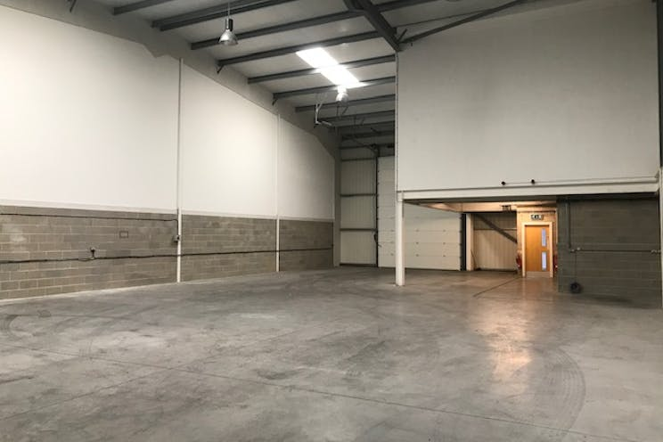Unit 11 IO Centre, Salfords, Warehouse & Industrial To Let - IMG_6643.jpg