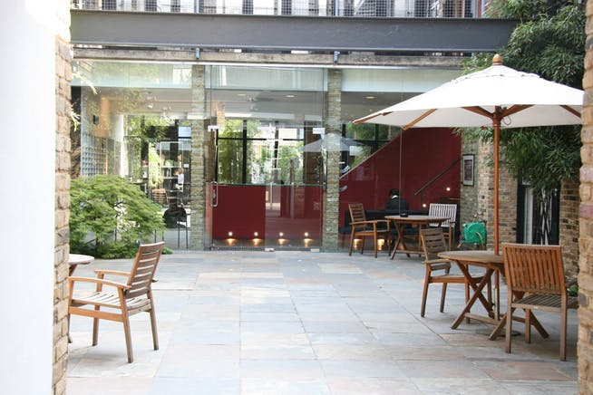 Worlds End Studios, London, Office To Let - Worlds end studios courtyard.JPG