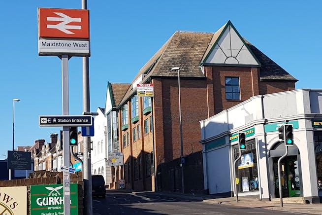 Vaughan Chambers, 4 Tonbridge Road, Maidstone, Office To Let - 20171106_102155.jpg