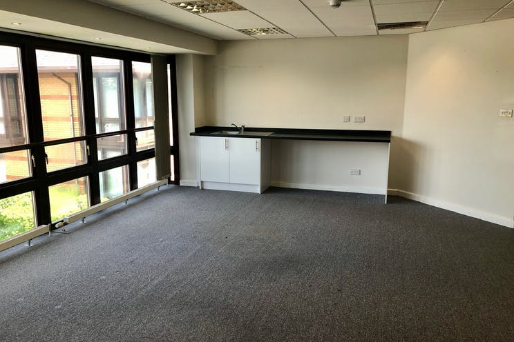 6b The Briars, Waterlooville, Office To Let - a.jpg