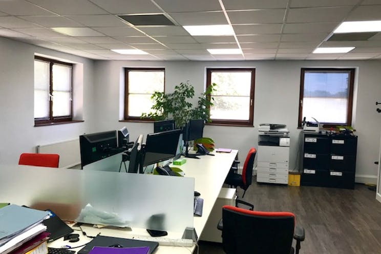 Unit 3 Park Court, Pyrford Road, West Byfleet, Offices To Let - IMG_6726 002.jpg