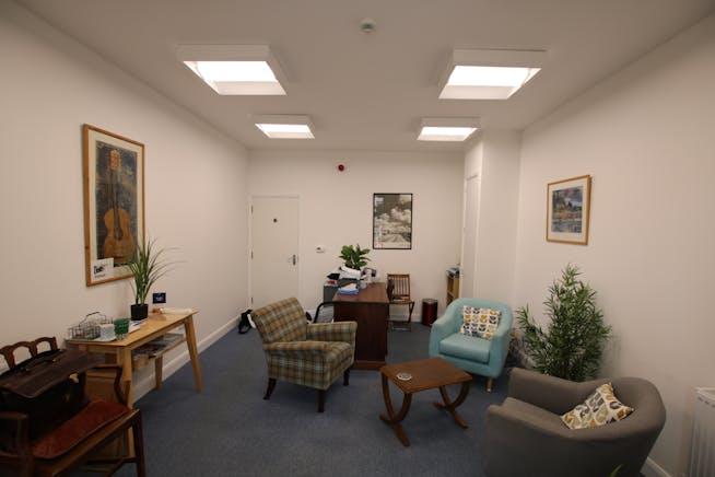 16 Buttermarket, Dorchester, Retail & Leisure / Retail & Leisure / Office To Let - IMG_2963.JPG