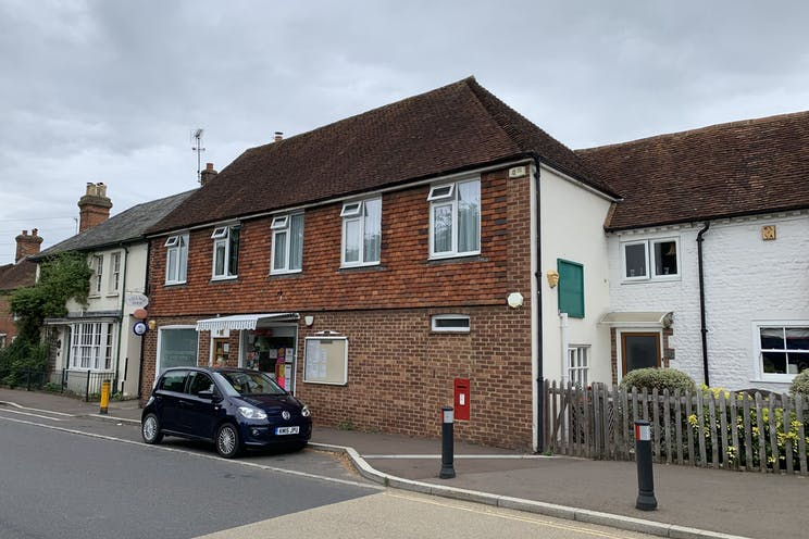 Rogate Post Office, 8 West Street, Petersfield, Retail To Let / For Sale - lhbX4xCO.jpg