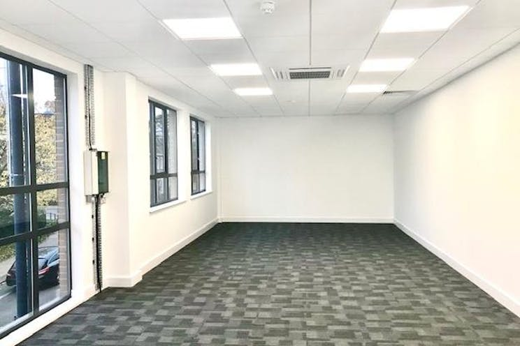 1st Floor Lindsey House, 1 Station Road, Addlestone, Offices To Let - IMG_3875.jpg