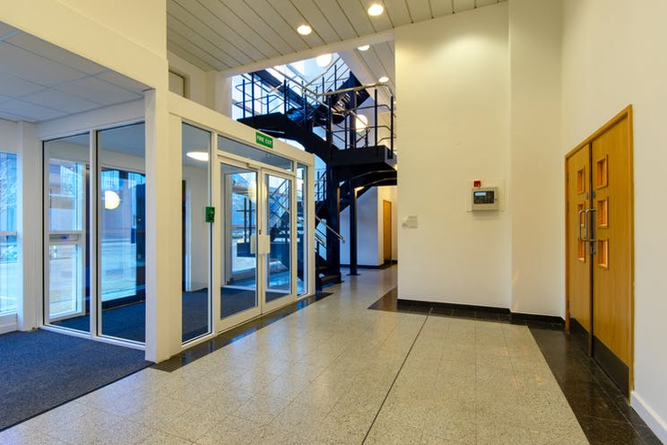 Unit 8 The Sterling Centre, Eastern Road, Bracknell, Industrial To Let - SterlingUnit8-ThreeSixtyGroup-9.jpg