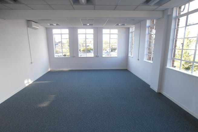 Essex House, 15 Station Road, Upminster, Offices To Let - Essex_House_Upminster_Offices_To_Let_Rent_3.JPG