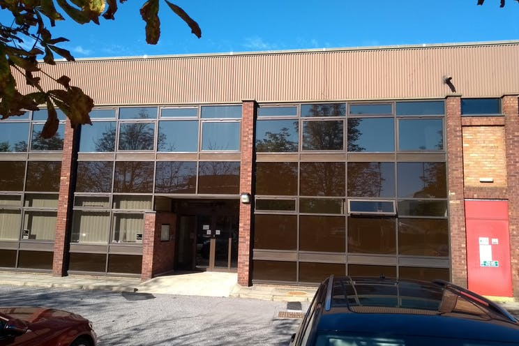 Unit 33, Suttons Business Park, Reading, Industrial To Let - IMG20180927143155.jpg