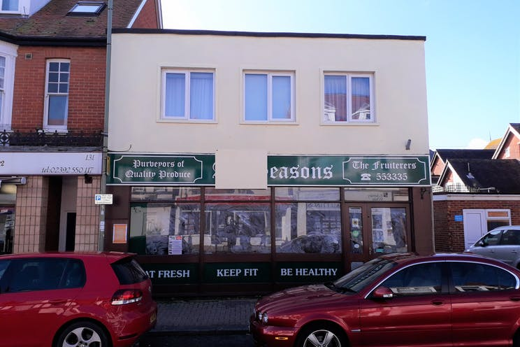 135 High Street, Lee-on-the-Solent, Retail To Let - 3.jpg
