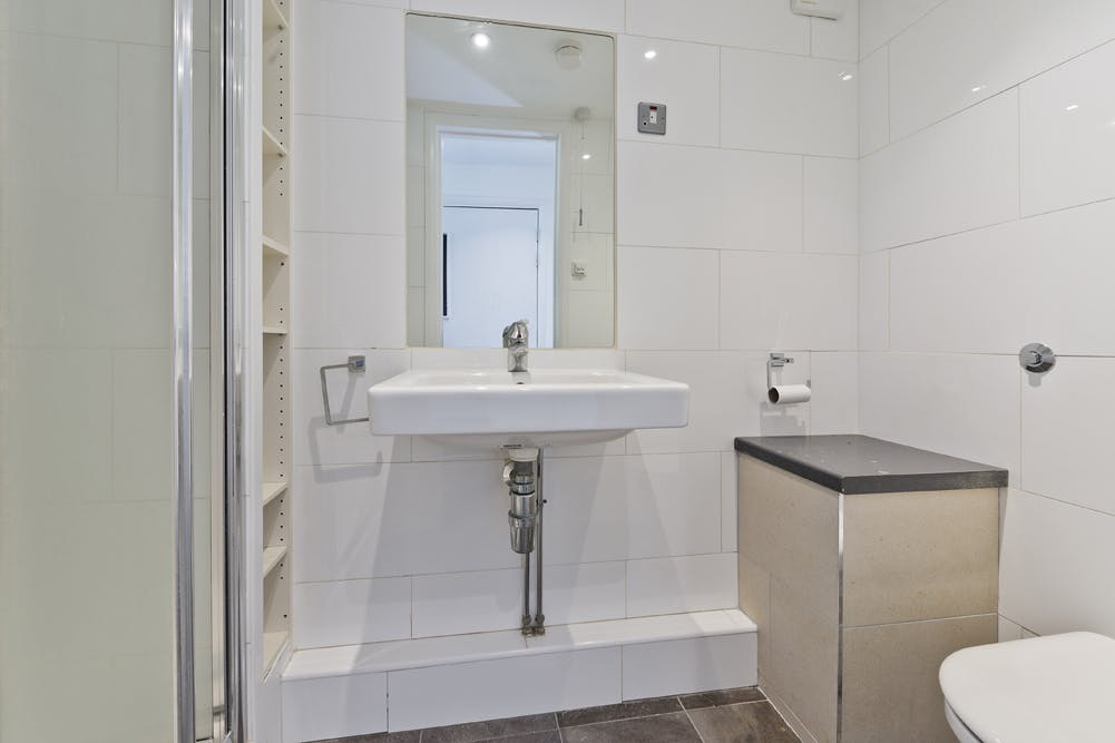Unit 14, London, Residential To Let - unit 14 the talina centre7730 low.jpg