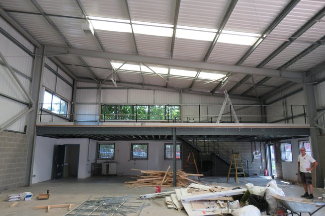 Unit 11, Camberley Business Centre, Surrey, Warehouse & Industrial To Let - Unit 11 7.jpg