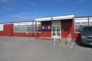 Building 52, Dunsfold Park, Stovolds Hill, Cranleigh, Offices To Let - IMG_8470.JPG
