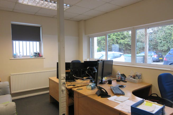 Commercial Unit 1/1A, Groundworks House, Egham, Offices To Let - IMG_2434.JPG