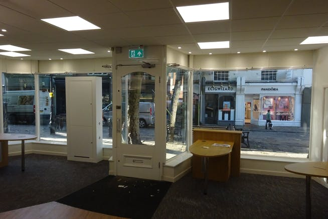 4 Central Pavement, Chesterfield, Offices / Retail To Let - DSC03050.JPG
