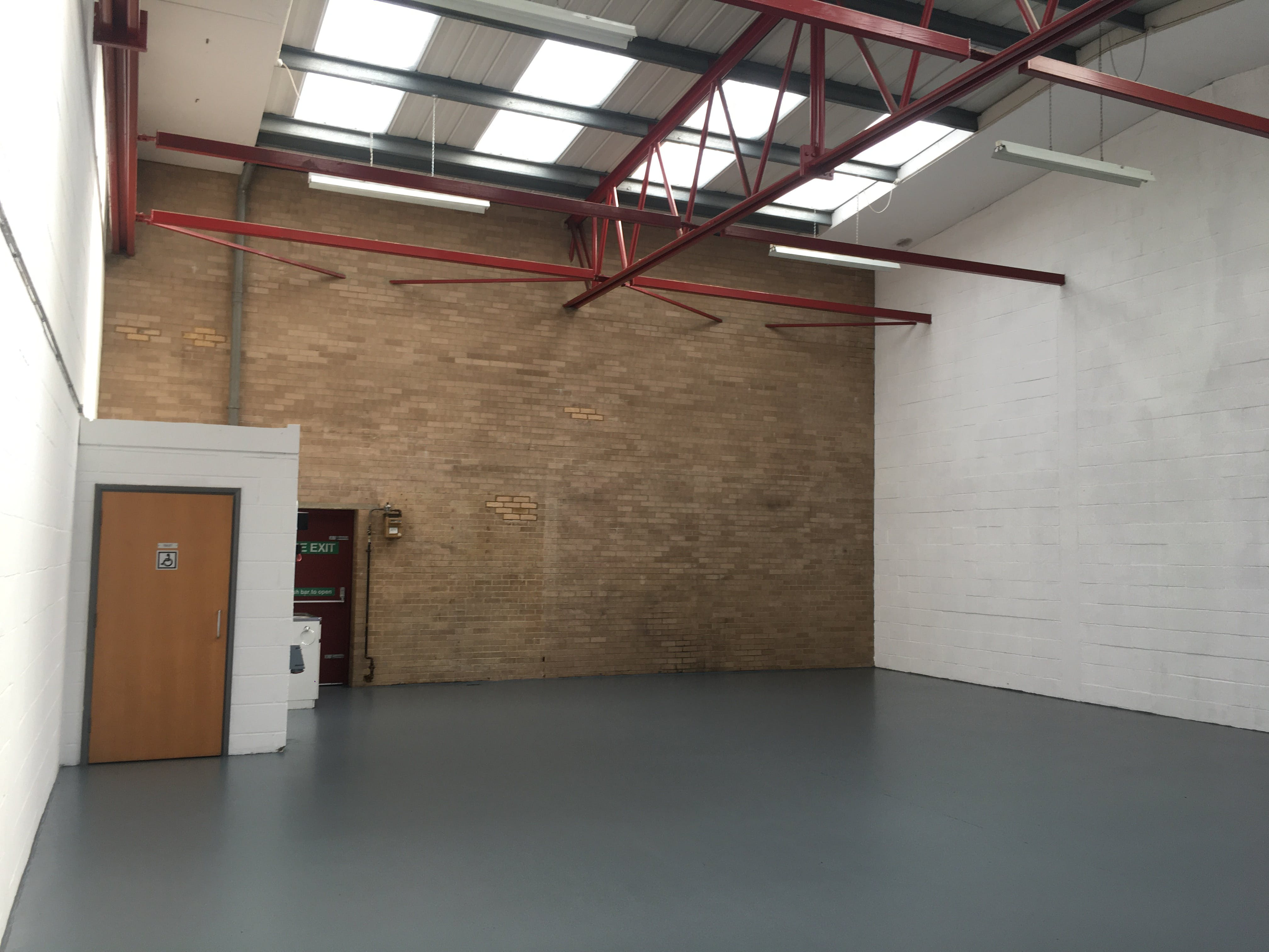 Unit 3, Boundary Business Centre, Woking, Warehouse & Industrial To Let - IMG_1806.JPG