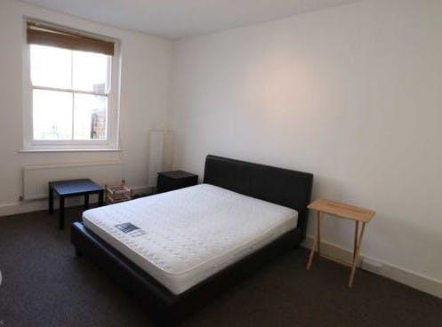 Flat 2, 27 Red Lion Street, London To Let - Bedroom.jpg