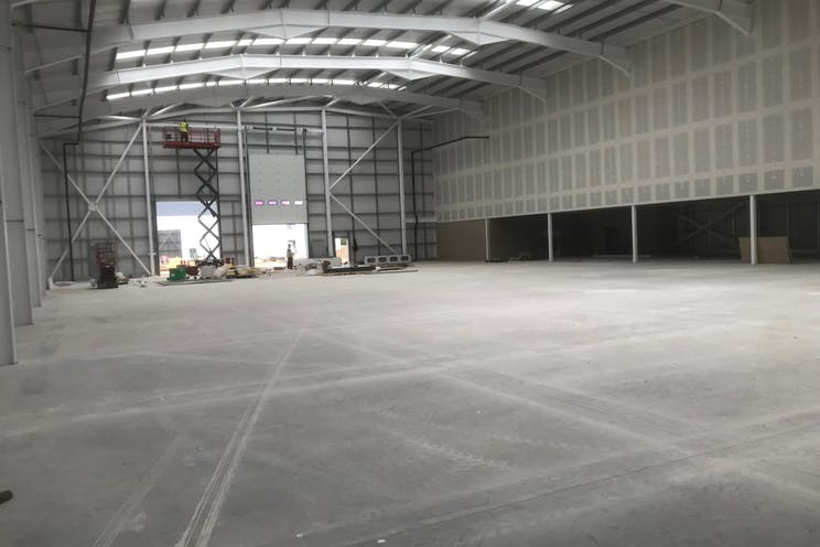 Unit 2, Total Park, Reading, Industrial To Let / For Sale - IMG_3387.jpg