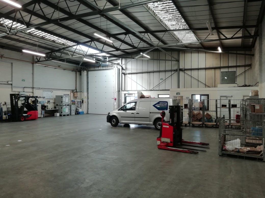Unit 3, Bilton Industrial Estate, Bracknell, Industrial To Let - IMG_20200625_093407_resized_20200625_022236836.jpg