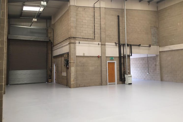 Unit 4 Guildford Industrial Estate, Guildford, Warehouse & Industrial To Let - internal 4