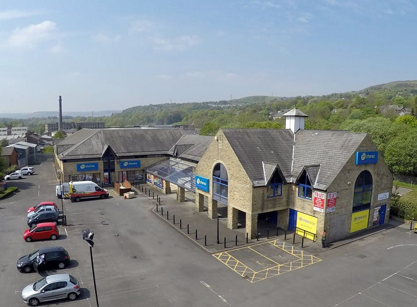 Station Court, New Hall Hey Road, Rossendale, Office / Retail / Leisure For Sale - Store 1.jpgCOMPRESSED.jpg