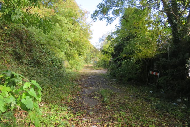 Land, Off St George's Road, Aldershot To Let - IMG_0566.JPG