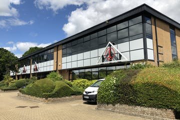 1 Charlwood Court, Crawley, Office To Let - IMG_1134.JPG