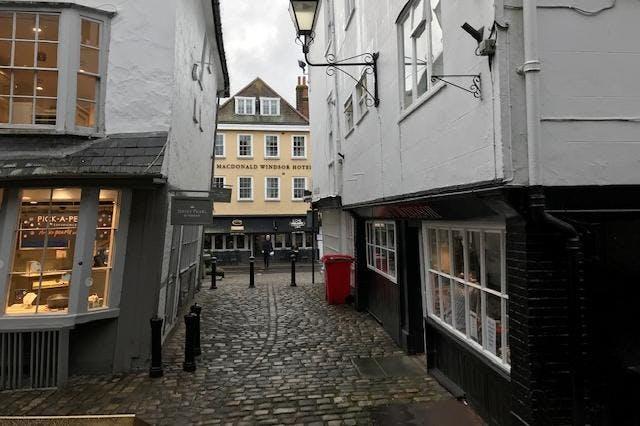 50 High Street, Windsor, Retail To Let - IMG_7623.jpg
