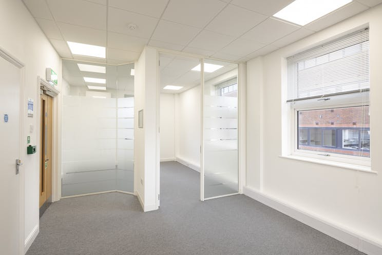 1st Floor Technology House, 48-54 Goldsworth Road, Woking, Offices To Let - top right page 4 (lower of 2).jpg