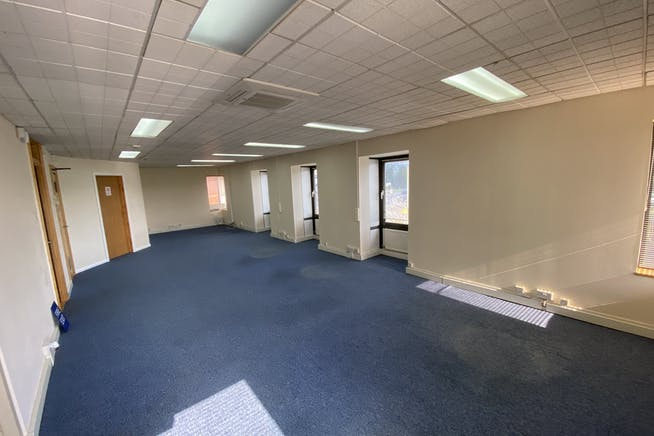 Samuel House, Chinnor Road, Thame, Office To Let - IMG_6203.JPG