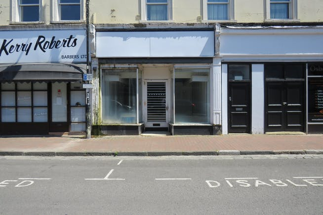 4 Camp Road, Farnborough, Retail To Let - IMG_0296.JPG