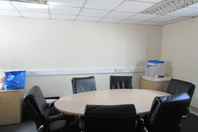 Commercial Unit 1/1A, Groundworks House, Egham, Offices To Let - IMG_2429.JPG