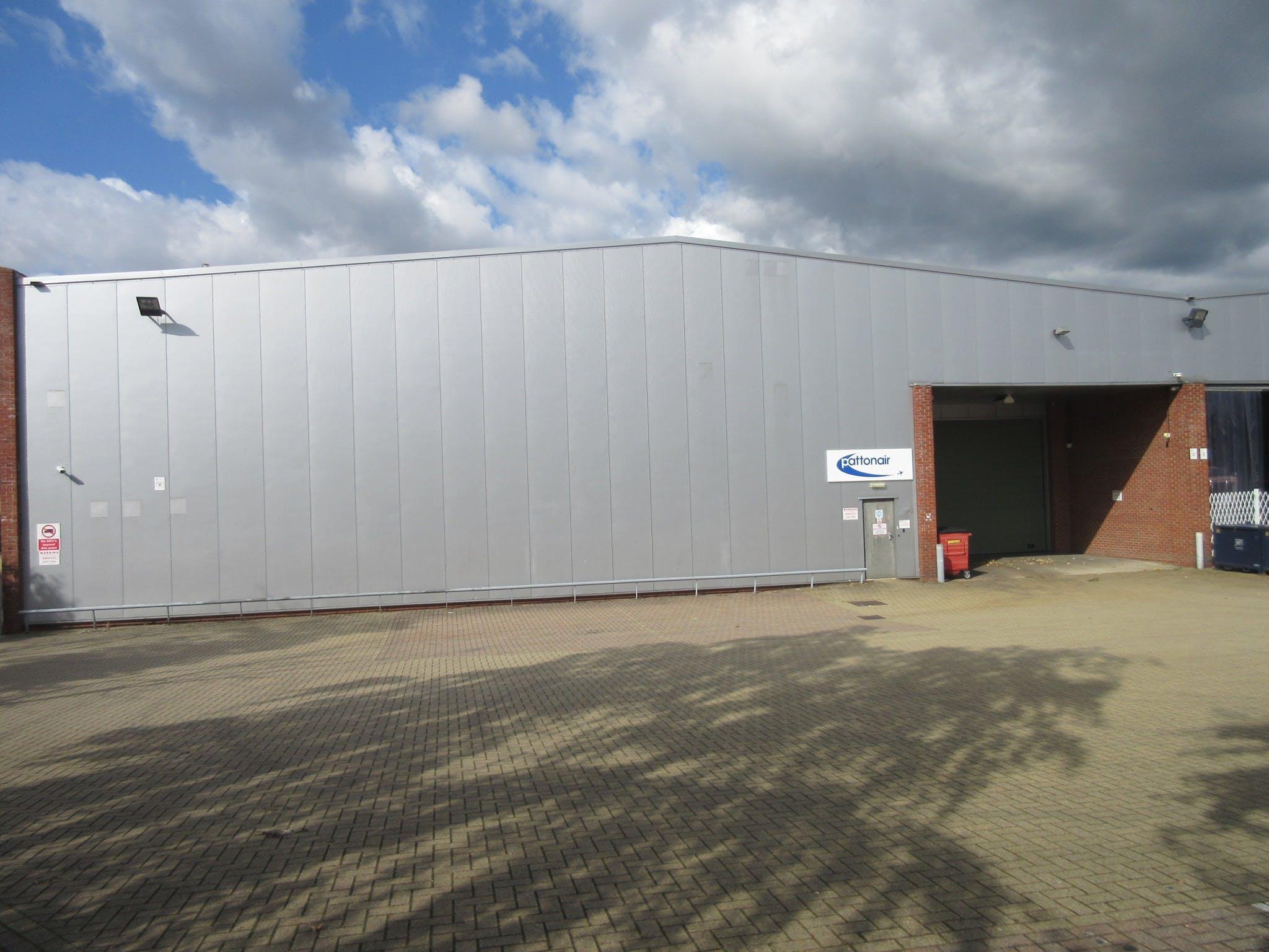 Unit C5 Octimum, Kingswey Business Park, Woking, Warehouse & Industrial To Let - IMG_8638.JPG