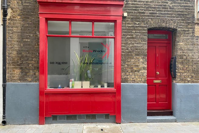 1 Sandy's Row, London, D1 / Office / Retail To Let - bfa59b6b436e4d42ba3ac69a4364c0d0.JPG