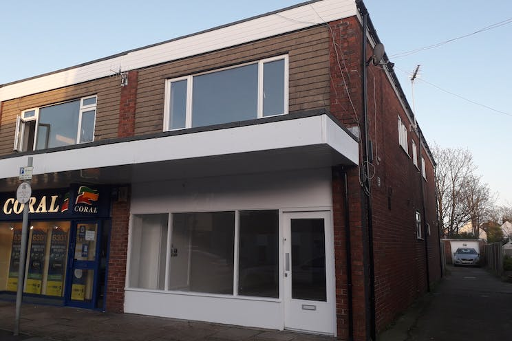 22-22a Elm Grove, Hayling Island, Retail To Let - 20200115_161032.jpg