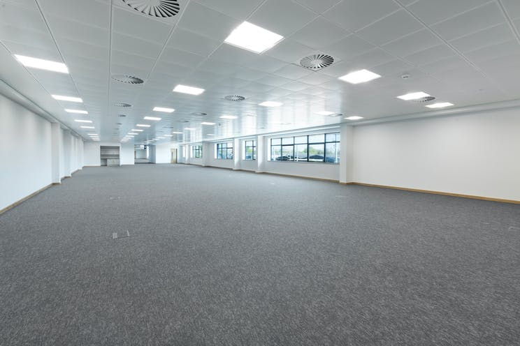 135 Theale Logistics Park, Theale, Reading, Industrial / Office To Let - d2iTLP04202077.jpg