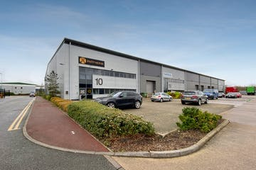 10 Hikers Way, Crendon Industrial Park, Industrial To Let - Hikers2.jpg