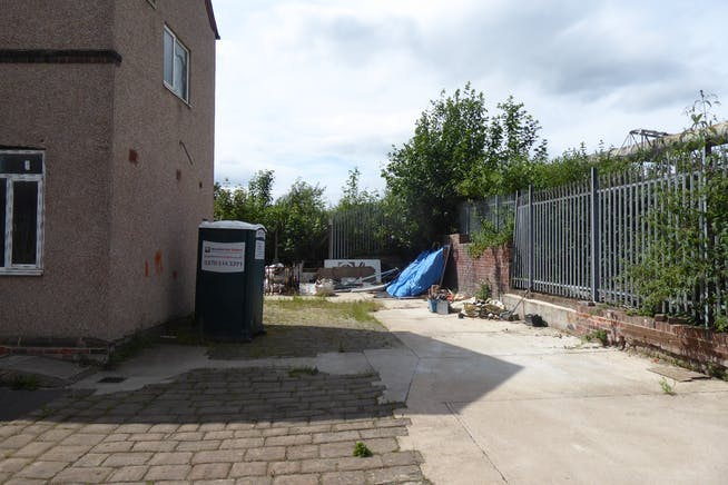 144 Neepsend Lane, Sheffield, Offices / Warehouse & Industrial / Restaurant / Retail To Let - P1040331.JPG